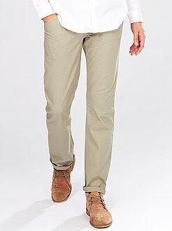 Pantalón recto con 5 bolsillos
