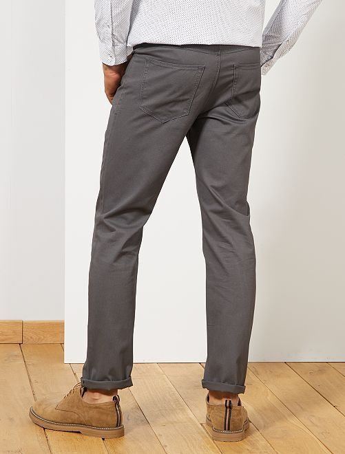 Pantalón recto con 5 bolsillos Hombre - Kiabi - 10 81db889983f9