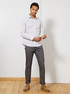 Pantalones - Pantalón recto con 5 bolsillos - Kiabi