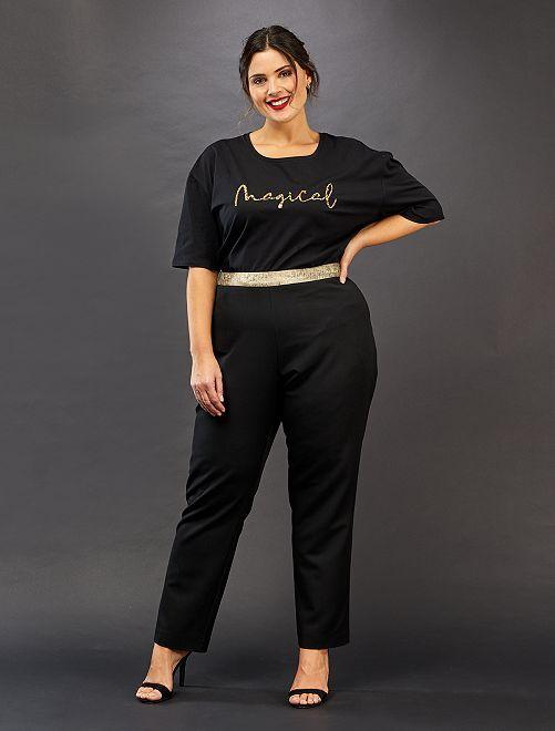 Pantalón recto con detalles dorados                             negro