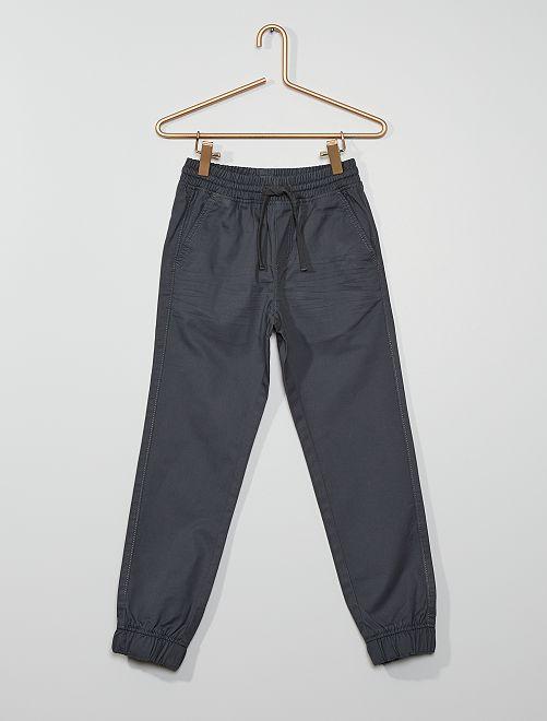 Pantalón regular                                                                                         GRIS
