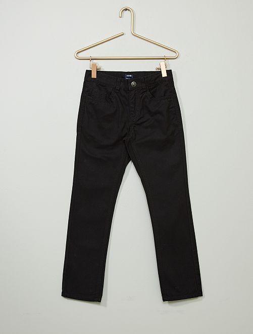 Pantalón regular liso                             negro
