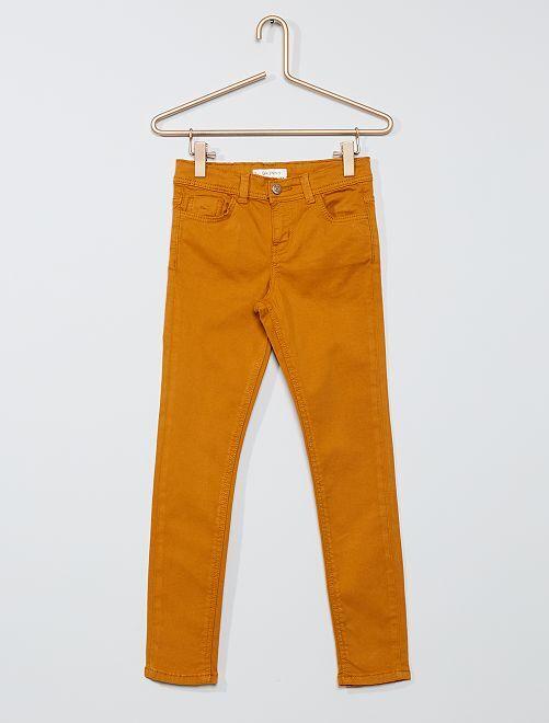 Pantalón skinny                                                                                                                                         AMARILLO