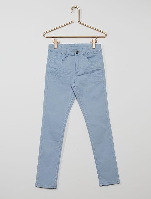 Pantalón skinny con cinco bolsillos                                                                                                                                                                                                                 gris azul