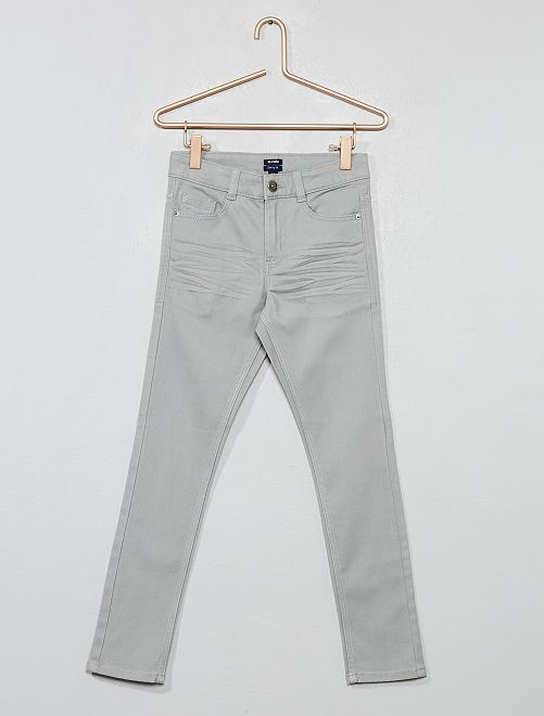 Pantalón skinny con cinco bolsillos                                                                                                                                         gris Chico