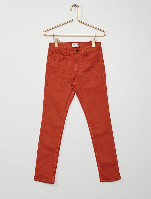 Pantalón skinny con cinco bolsillos                                                                                                                                                                                                     rojo teja