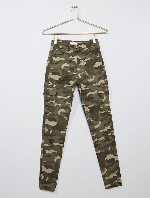 Pantalón skinny cropped de talle muy alto                                                     KAKI