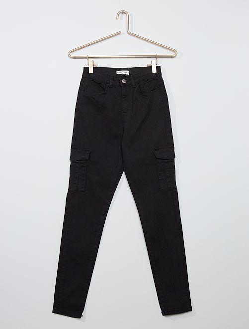 Pantalón skinny cropped de talle muy alto                                                     negro