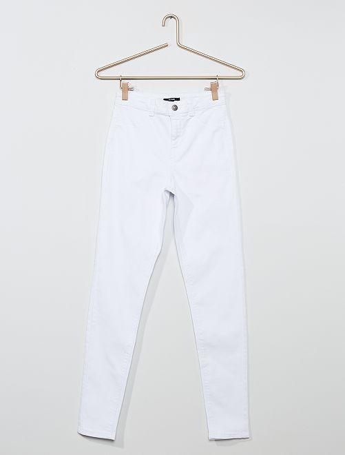 Pantalón skinny elástico                                                                 blanco