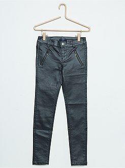 Pantalones slim - Pantalón skinny encerado satinado