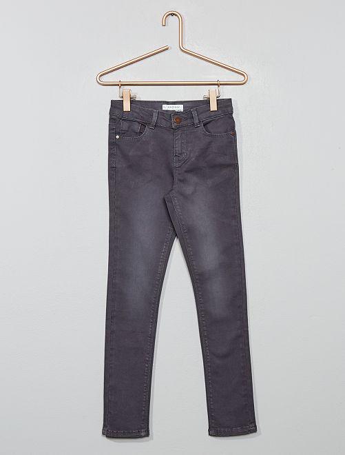Pantalón skinny vaquero                                                                                                     gris ratón