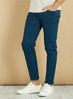 Pantalones - Pantalón slim 5 bolsillos de sarga - Kiabi