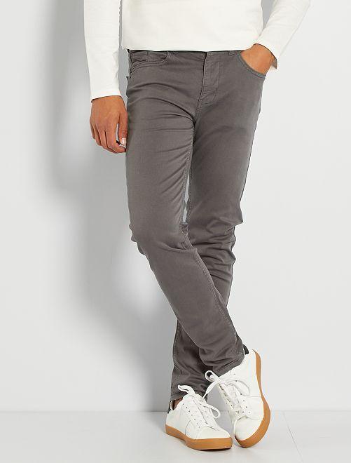 Pantalón slim 5 bolsillos de sarga                                                                                                                                                     GRIS