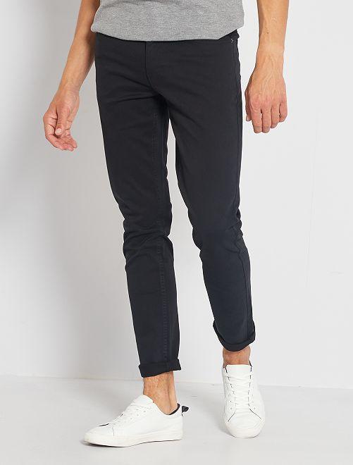 Pantalón slim 5 bolsillos de sarga                                                                                                     negro