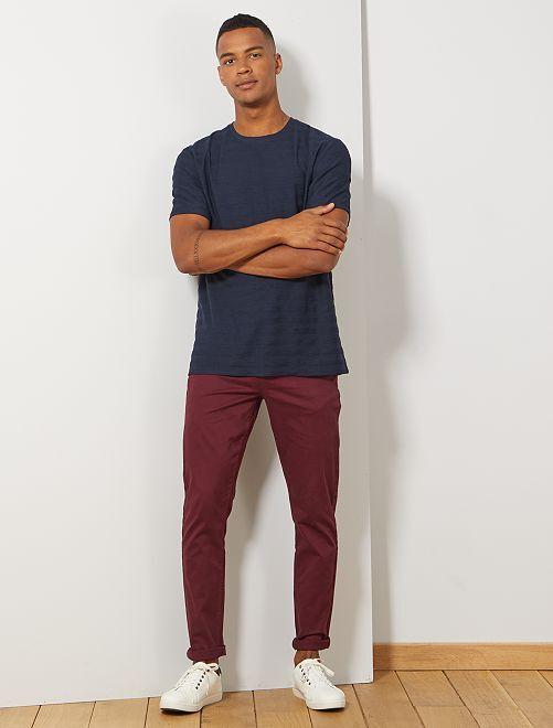 Pantalón slim 5 bolsillos de sarga                                                                                                                 rojo burdeos