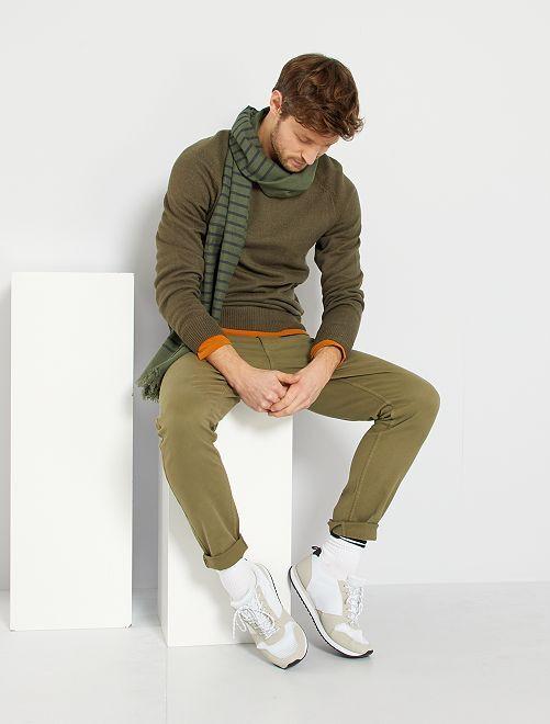 Pantalón slim 5 bolsillos de sarga                                                                                                                             verde liquen