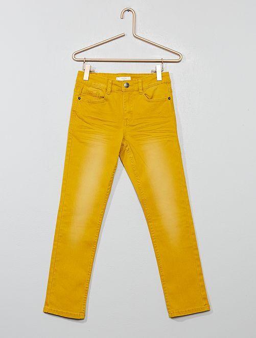 Pantalón slim                                                                                                                                                                                         AMARILLO