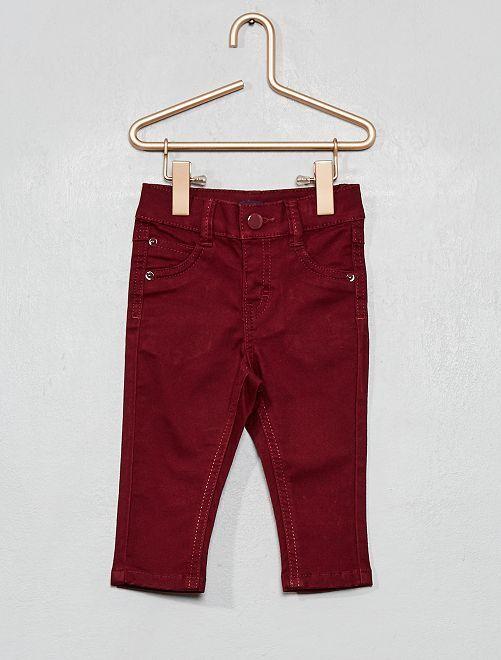 Pantalón slim                                                     burdeos oscuro