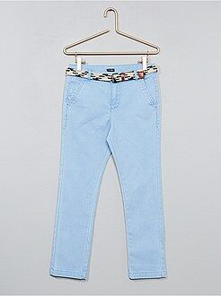 Pantalones - Pantalón slim + cinturón trenzado - Kiabi
