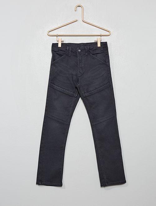 Pantalón slim con detalles en las rodillas                                                     gris oscuro