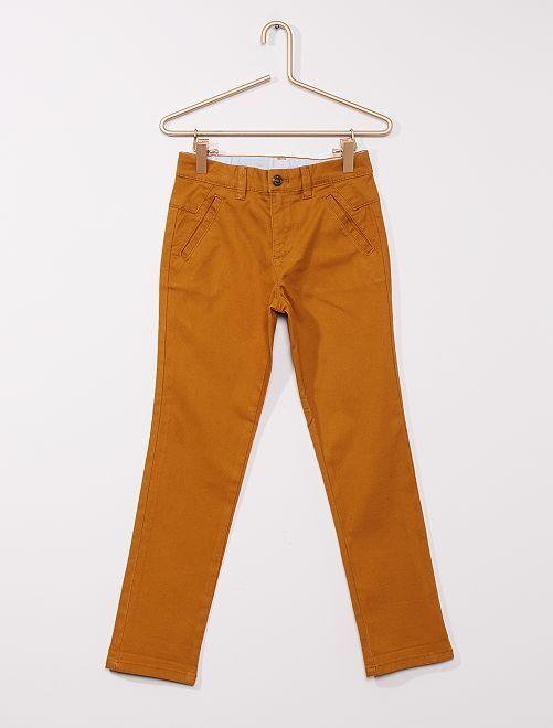 Pantalón slim de algodón elástico                                         AMARILLO