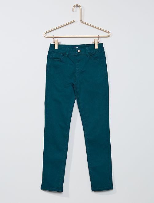 Pantalón slim de color                                                                                                                             VERDE