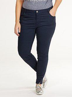 Pantalones slim - Pantalón slim de sarga elástico