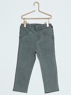Pantalón slim elástico