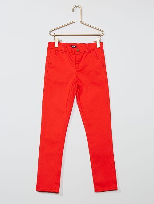 Pantalón slim elástico                                                                 ROJO