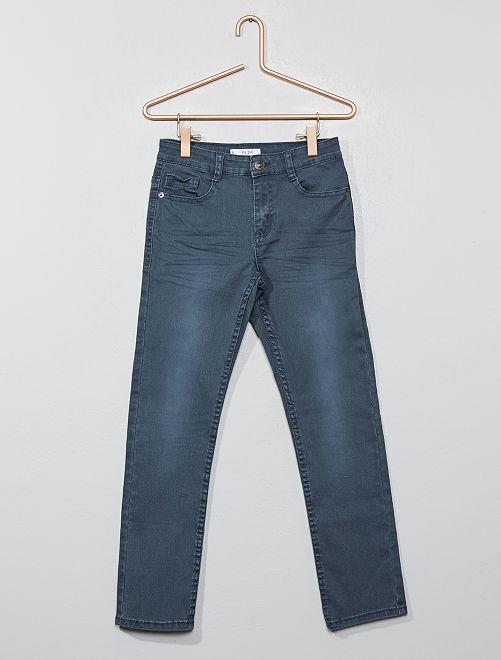 Pantalón slim                                                                                                                                                                                         GRIS