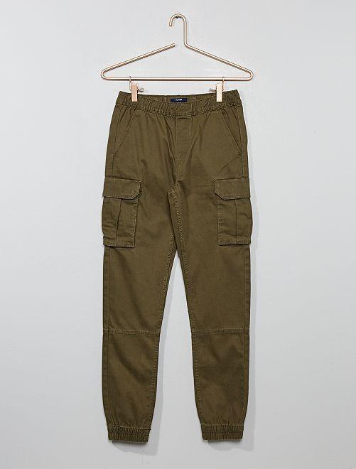 Pantalón slim                     KAKI