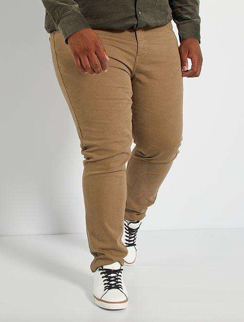 Pantalón slim L30                                                                                         gris beige