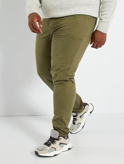 Pantalón slim L30                                                                                         KAKI
