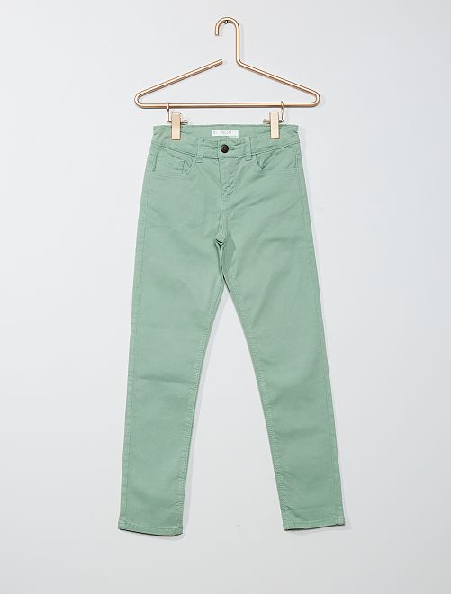 Pantalón slim liso                                                                                         VERDE