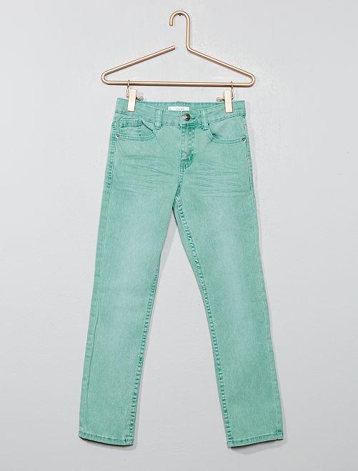 Pantalón slim                                                                                                                                                                                         verde gris