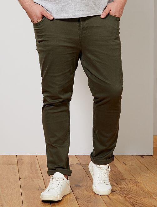 Pantalón slim                                                     verde selva