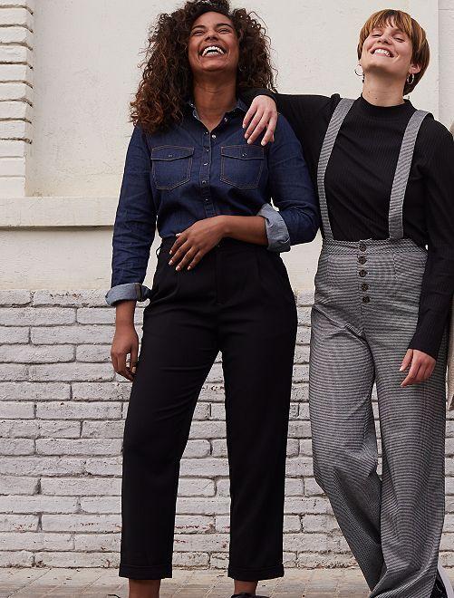 Pantalón tobillero tapered                             negro