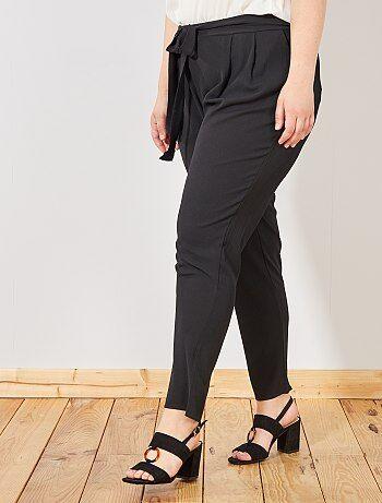 e82b5977d2d0 Tallas grandes mujer - Pantalón vaporoso con cinturón - Kiabi