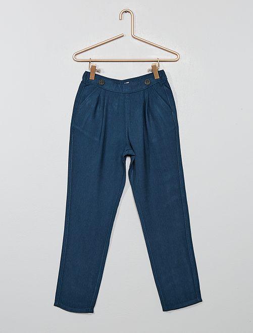 Pantalón vaporoso con pinzas                                         azul navy