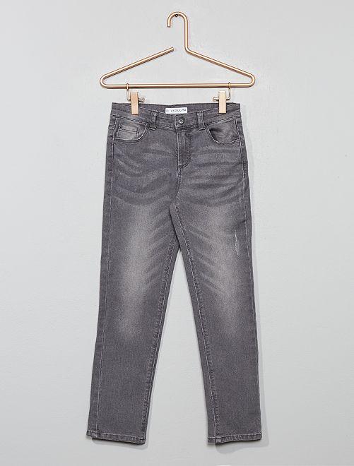Pantalón vaquero regular                                                     gris oscuro