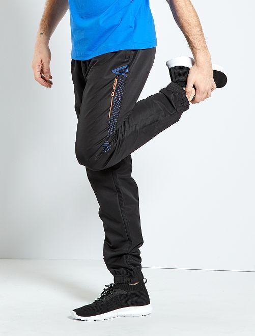 Pantalón woven 'Umbro'                                         NEGRO