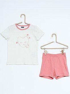 Pijama corto con estampado de 'corazones'