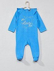 Pijama de felpa con volantes