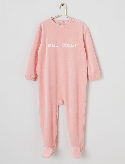 Pijama de terciopelo estampado                                                                                         corazón