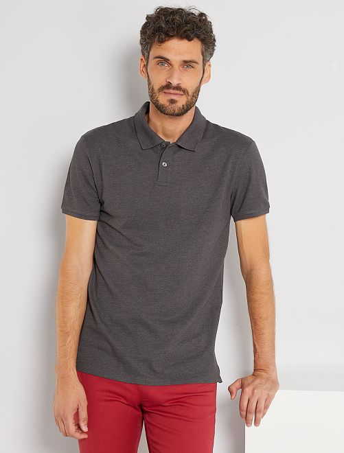 Polo liso regular                                                                                                                             GRIS