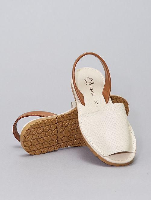 Sandalias abiertas de piel                             blanco