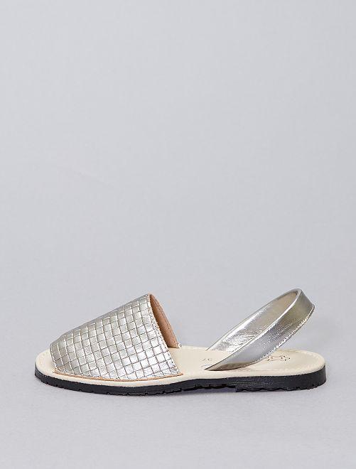 Sandalias abiertas de piel                             plata