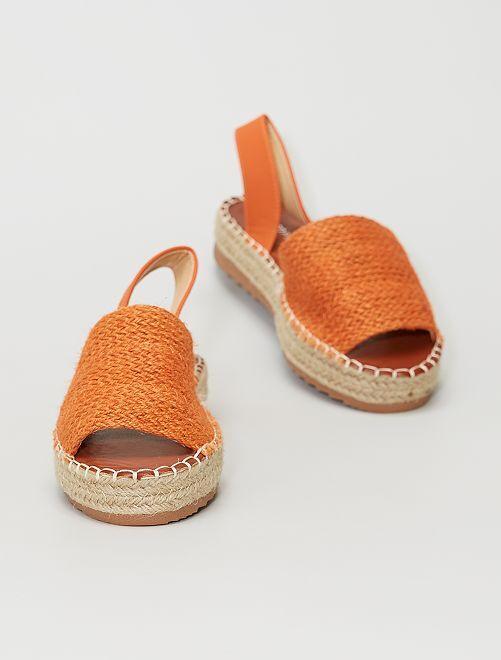 Sandalias abiertas                                         naranja