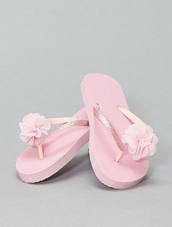 cfa5c666 Rebajas la mejor oferta en sandalias para Niña | Kiabi
