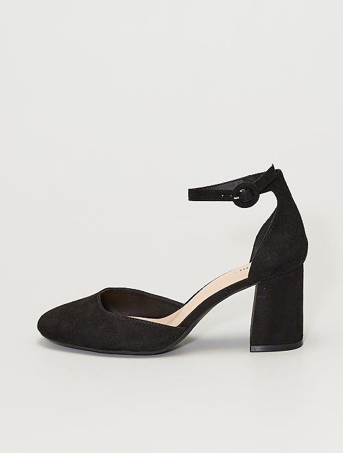 Sandalias cerradas con tacón                                         negro